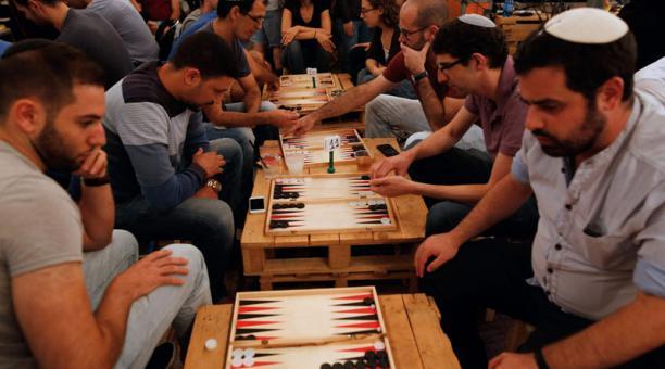 Backgammon Un Juego De Mesa Que Une A Israelies Y Palestinos