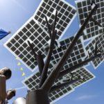 Panel solar israelí 'eTree' es colocado en el centro de Francia