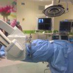 Cirujanos practican la primera cirugía robótica dual del mundo