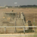 Palestinos detonan una bomba junto a una fuerza israelí en la frontera con Gaza, no hay heridos