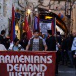 Cientos marchan en Jerusalén para conmemorar el 103 aniversario del genocidio armenio