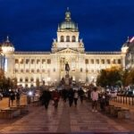 Judíos recuperan lápidas usadas en Praga como pavimento en la época comunista