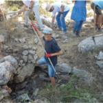 Estructura antigua descubierta en el campamento arqueológico en Oz veGaon