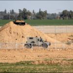 Dos palestinos armados cruzan la frontera de Gaza a Israel