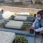 Día del Recuerdo: decenas de miles de jóvenes visitan las tumbas de los caídos