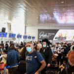 El gobierno dijo que sopesaría cerrar el aeropuerto para viajes no esenciales