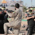 Niños sin derechos: En los campamentos de verano, Hamas entrena a niños a disparar armas y secuestrar soldados israelíes