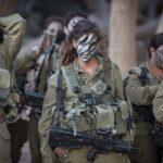 Después de encabezar un batallón mixto, un oficial de las FDI ve que las mujeres pronto lideran la carga