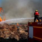 Las FDI atacan objetivos de Hamas en Gaza en respuesta a globos incendiarios
