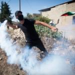 Los palestinos se amotinan en apoyo de los prisioneros fugitivos mientras las FDI prolongan el cierre de Cisjordania