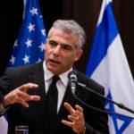 Lapid despega hacia Washington antes del probable reinicio de las conversaciones nucleares con Irán