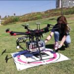 Drones entregan sushi y helado sobre el horizonte de Tel Aviv